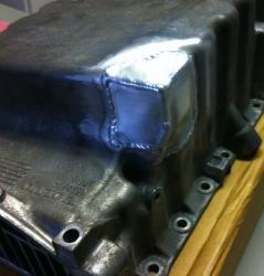 Aluminiowa miska olejowa.